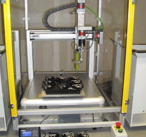 Robot per dispensazione collanti ed impermeabilizzanti